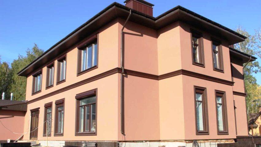 Мокрый фасад может прослужить 30 лет не требуя ремонта, к тому же его можно обновлять, менять цвет штукатурных покрытий