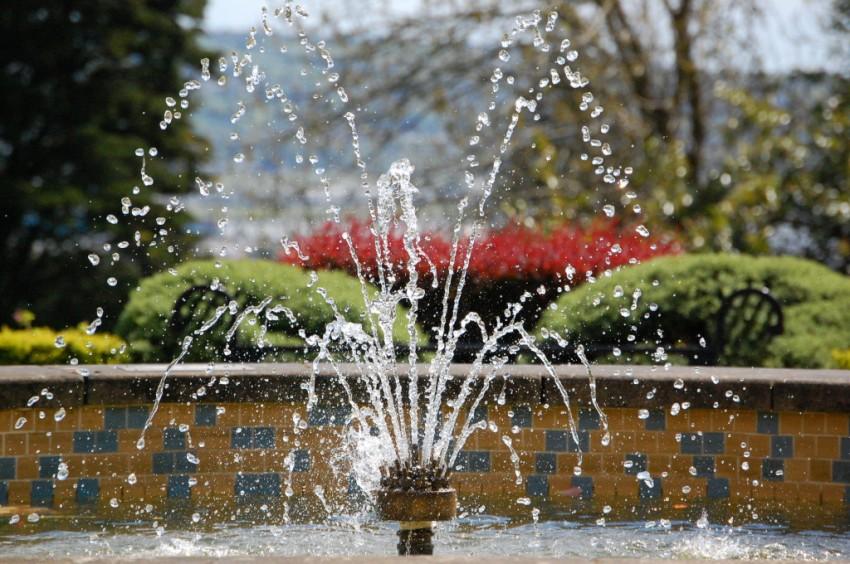 Насос для фонтанов: сердце искусственного водного источника подробно, с фото