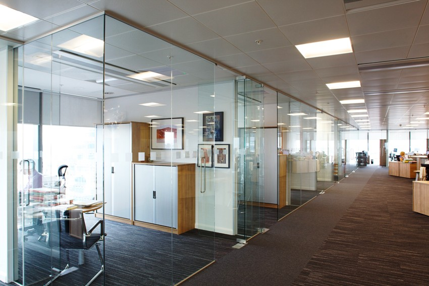 Glass partitions are suitable for zoning offices when it is necessary to create several individual jobs