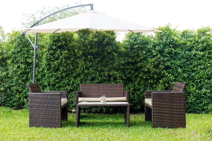 Из натурального и искусственного ротанга можно сделать мебель для сада самостоятельно