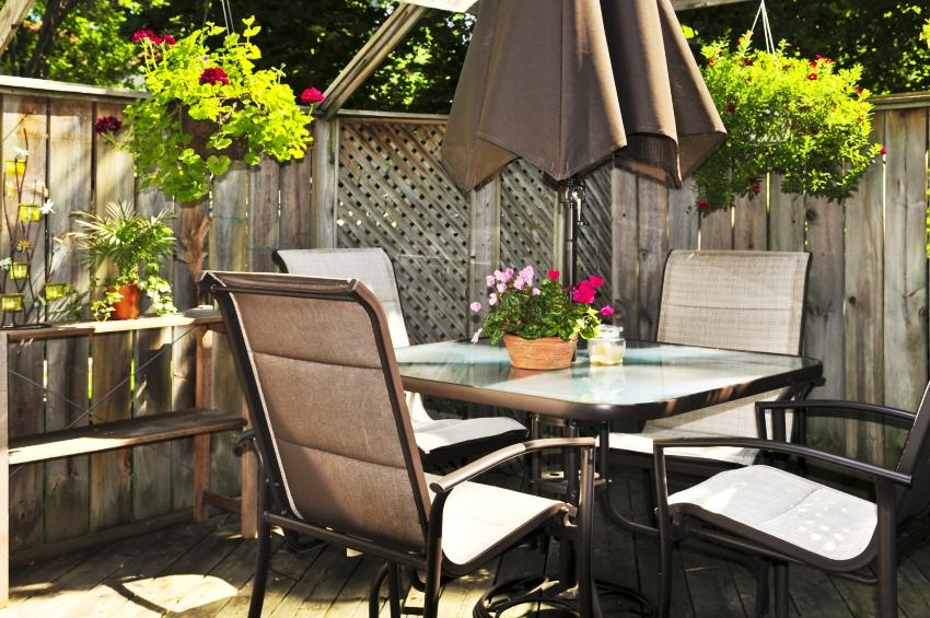 Мебель для дачи должна не только быть качественной, но и вписываться в общий стиль