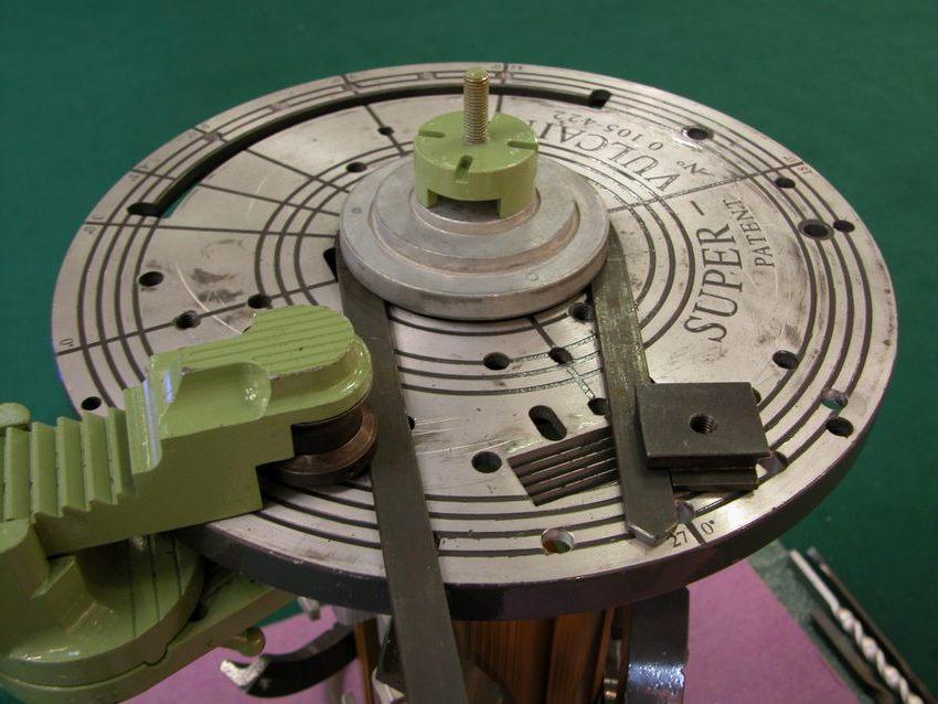 Станок для холодной ковки улитка, позволяющий создавать спиральные элементы