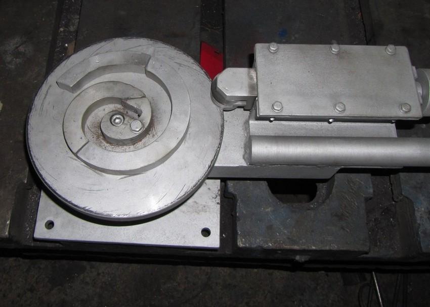 Монолитный станок улитка для создания изделий методом холодной ковки