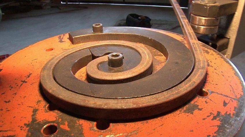 Изготовление завитка методом холодной ковки на станке улитка