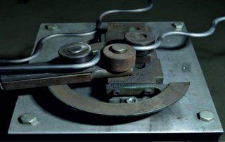 Станки для холодной ковки: как создать художественные элементы из металла