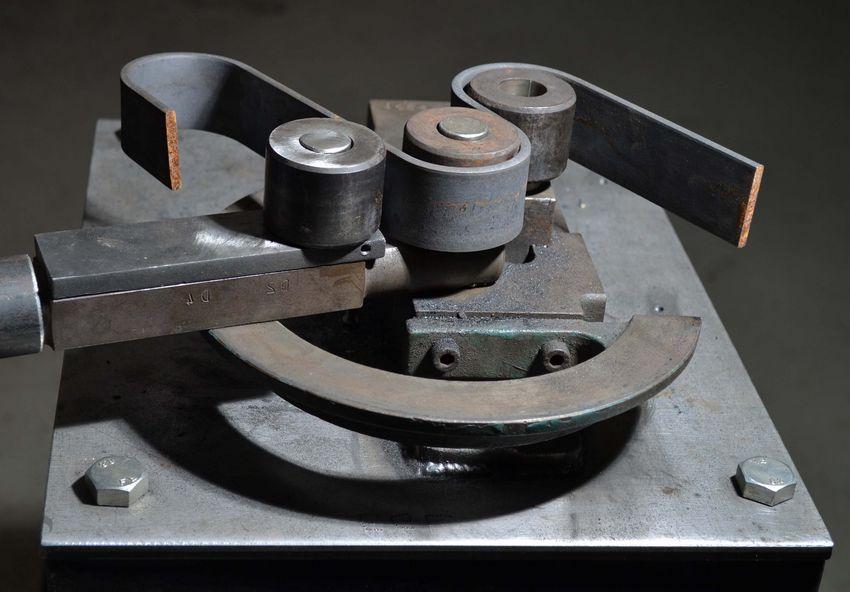 Создание элементов методом холодной ковки на самодельном станке гнутик