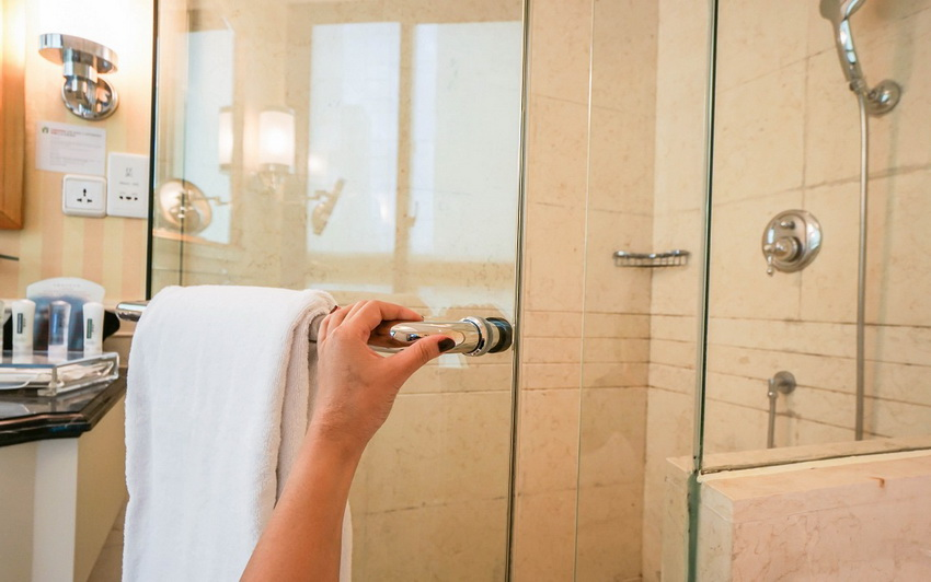 Стеклянная перегородка для душа: красивое и функциональное оформление ванной подробно, с фото