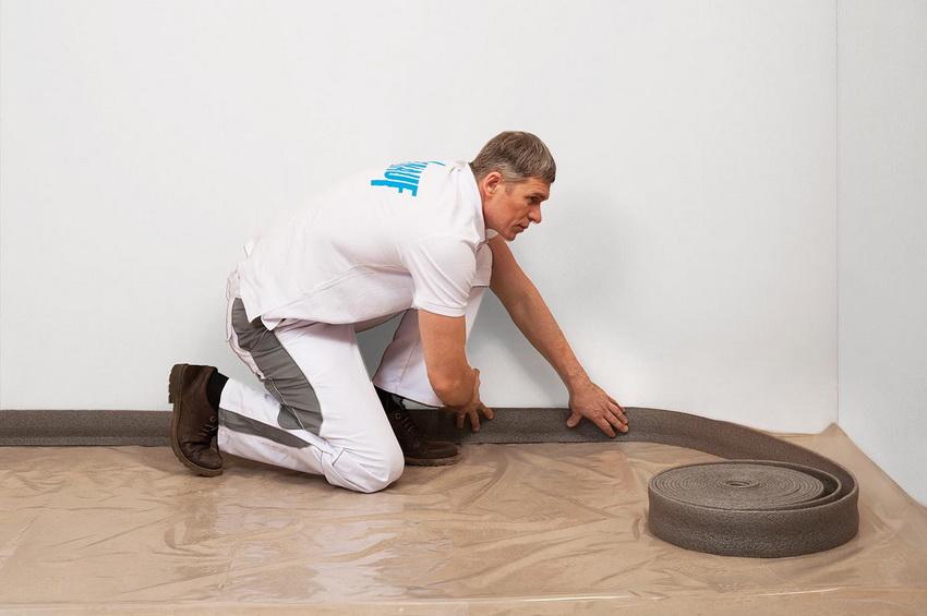 Перед осуществлением стяжки с керамзитом необходимо подготовить помещение