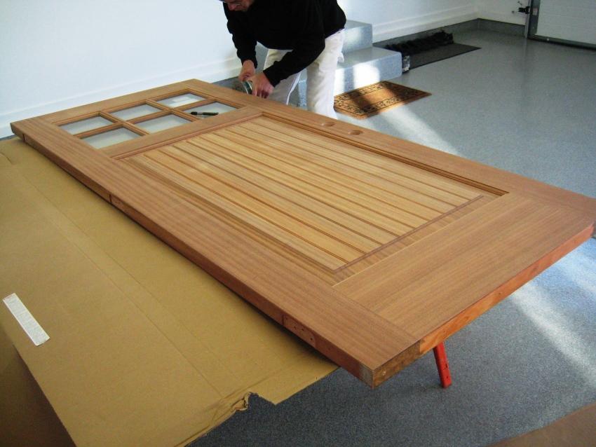 Процесс изготовления деревянной двери в домашних условиях своими руками