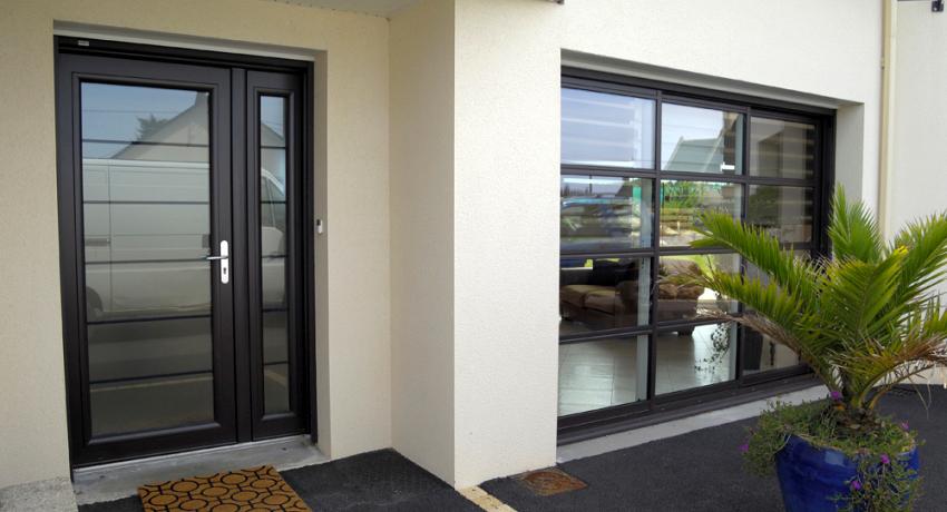 Теплые двери обладают изоляционными качествами, поэтому чаще используются как входные