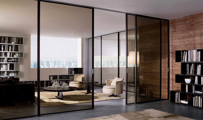 Для алюминиевых полотен используются стеклопакеты, триплекс, закаленное или армированное стекло