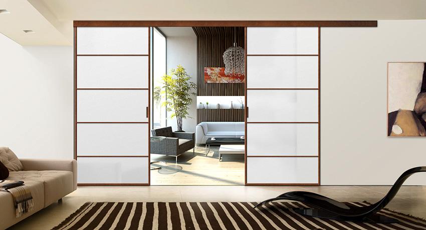 Для декора алюминиевых дверей используются разнообразные виды стекол