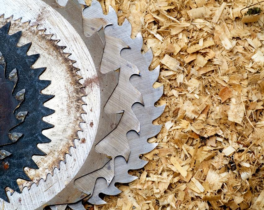 Диски для древесины подразделяют на цепные, циркулярные, сегментные и насадки с малым количеством зубов