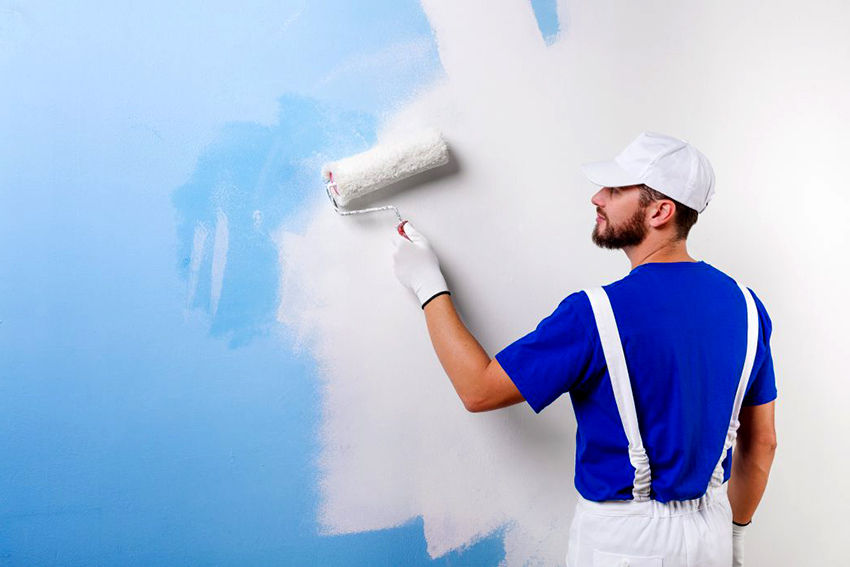 Стены ванной комнаты можно покрыть водоэмульсионной краской