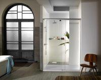 Если помещение большое, то можно не ограничиваться только душевой кабиной, но также установить и полноценную ванну