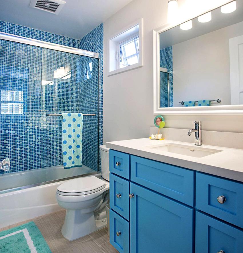 Для дизайна в ванной комнате хорошо подходит морской стиль