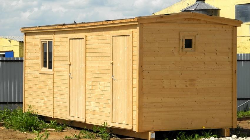 Временные хозблоки устанавливают на объектах строительства, чтобы обеспечить удобства рабочим