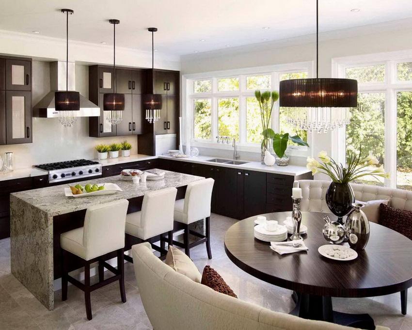 Важный параметр влияющий на качество стола - его устойчивость на поверхности