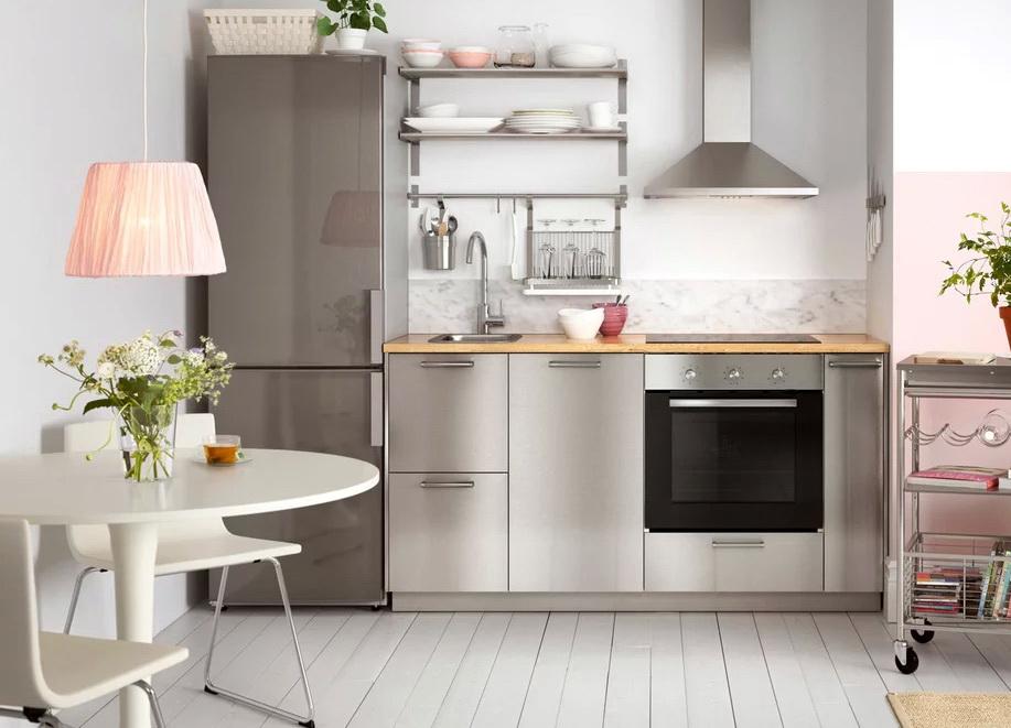 Бренд ИКЕА славится своим сочетанием доступной цены и высокого качества мебели