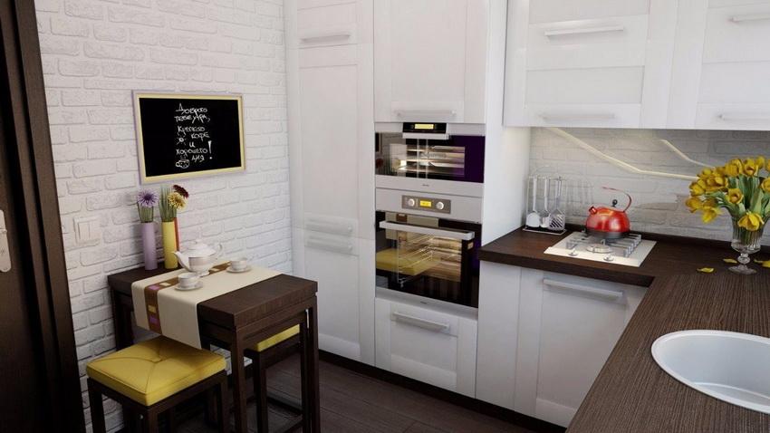 Главным принципом подбора стола для маленькой кухни является возможность оптимизировать пространство помещения