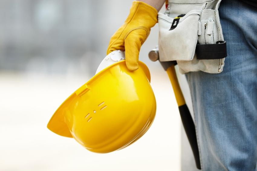 Для того чтобы получить разрешение на строительство, застройщик должен обратиться с заявлением на имя Главы района в Управление архитектуры и градостроительства