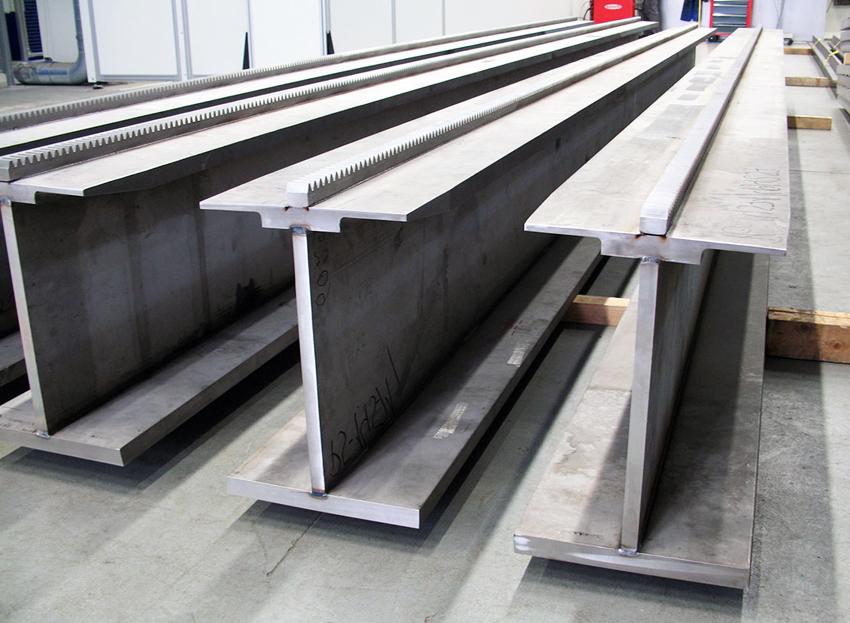 Основным материалом производства двутавровых балок является сталь