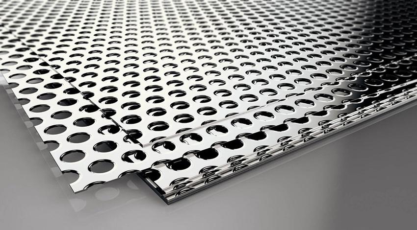 Марок стали существует более 1500 видов, по структуре она бывает – легированная и углеродистая