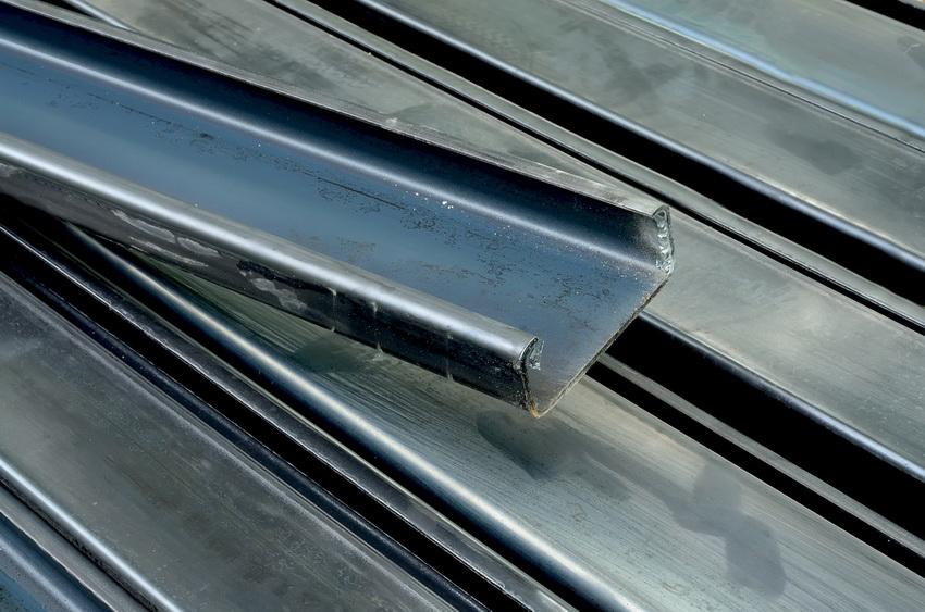 Материалом для производства гнутых швеллеров служит листовая или рулонная сталь