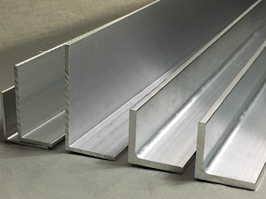 Важный параметр по которому классифицируются стальные уголки – точность