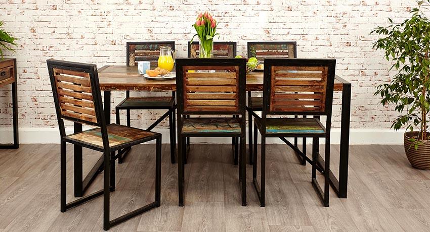Самый оптимальный вариант – это покупка готового комплекта стола со стульями