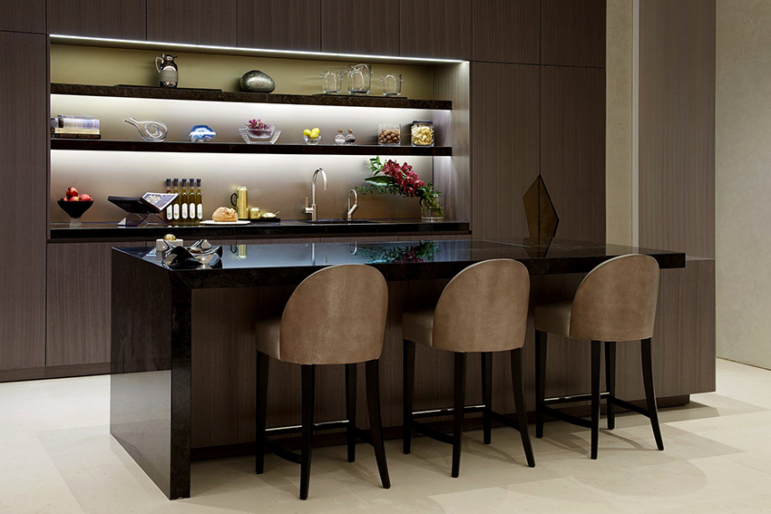 Стандартная высота обеденного стола варьируется в пределах 73-77 см