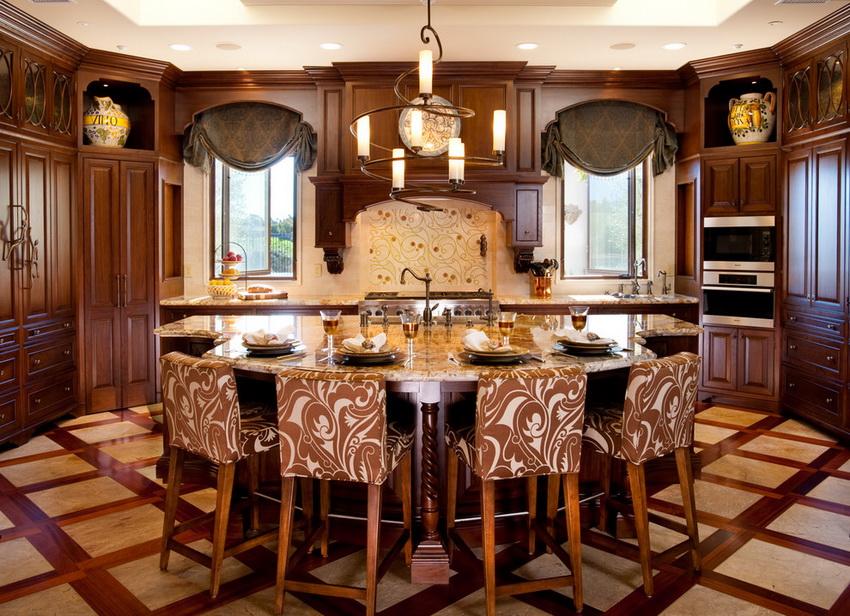 Компания Икеа выпускает очень широкий ассортимент деревянных стульев для кухни