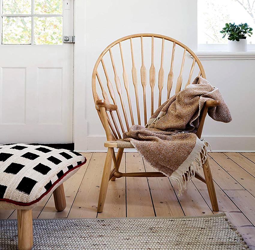 Если потратить больше времени и сил, то можно изготовить стильное деревянное кресло