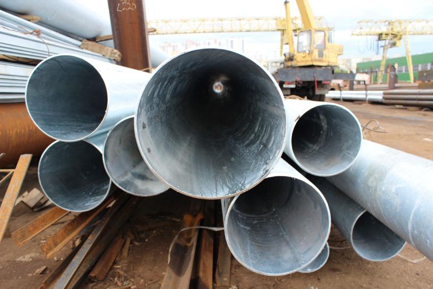 Труба из нержавеющей стали отличаются тем, что они более резистентные к неблагоприятным эксплуатационным условиям