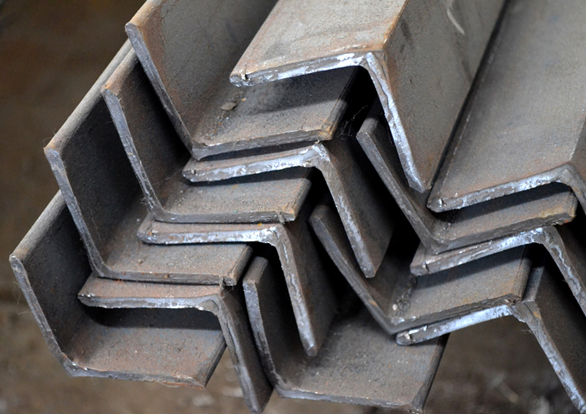 Вес металлического уголка за один метр 50х50х5 мм равен 3,769 кг