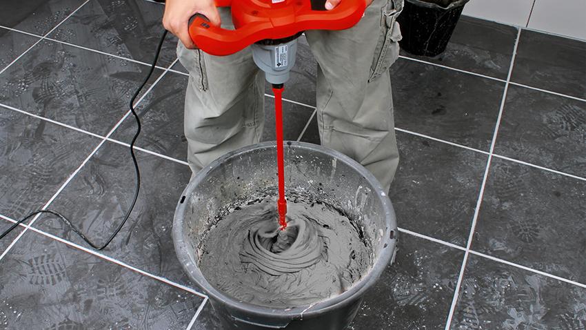 Для соединения бетона и жидкого стекла необходимо использовать строительный миксер