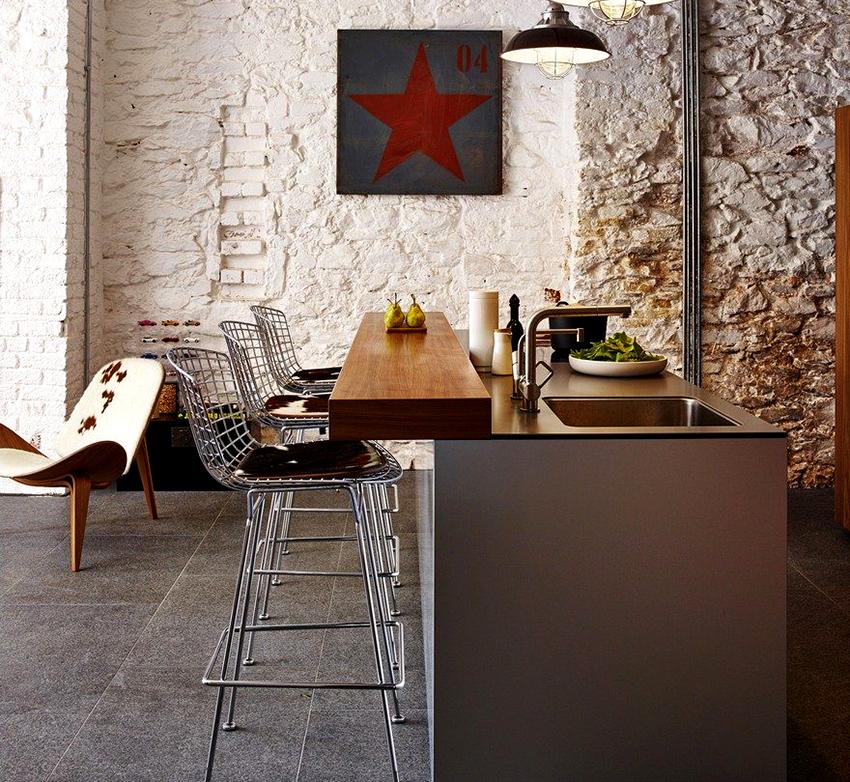 Чаще всего для каркаса металлического барного стула используется сталь или алюминий