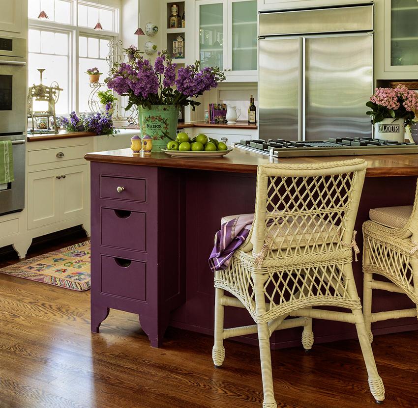 Барные стулья отличаются разнообразием форм и стилей исполнения