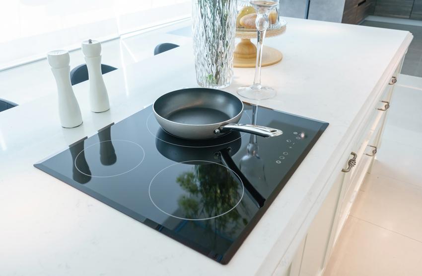 В индукционных плитах можно настроить время включения