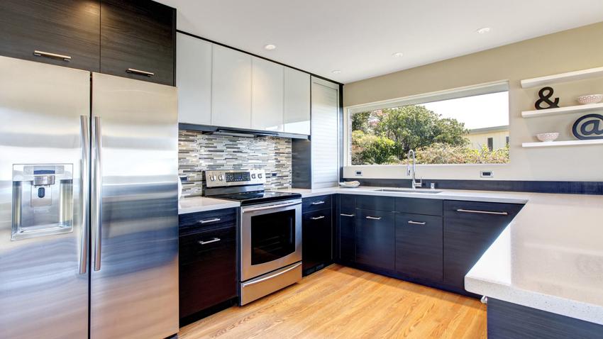 Мебель в кухне часто устанавливается буквой «Г» или «П»