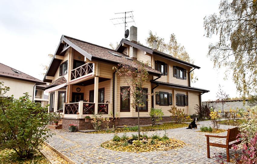 Цена здания с типовой планировкой будет на порядок ниже, чем стоимость дома с индивидуальным дизайном