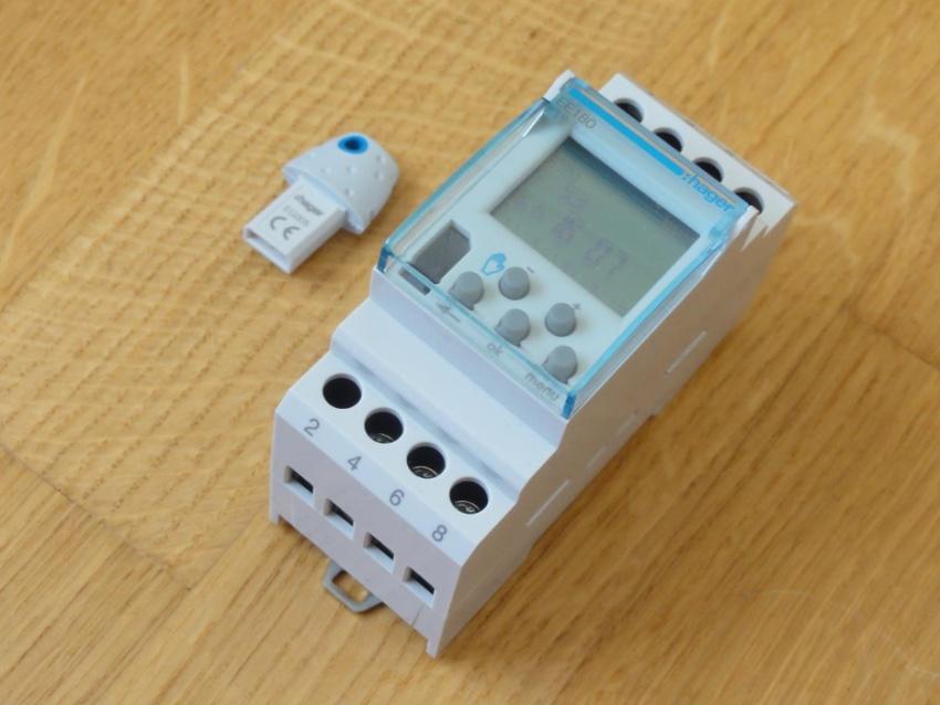 Астротаймер – это более усовершенствованный прибор, запрограммированный на восход или закат солнца