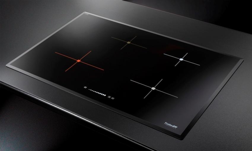 Особенность индукционных плит в том, что они нагреваются только тогда, когда на них стоит посуда