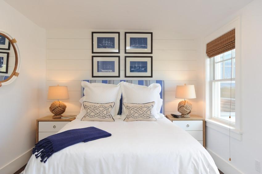 Оформив интерьер небольшого дома в светлых тонах, можно добиться зрительного увеличения пространства