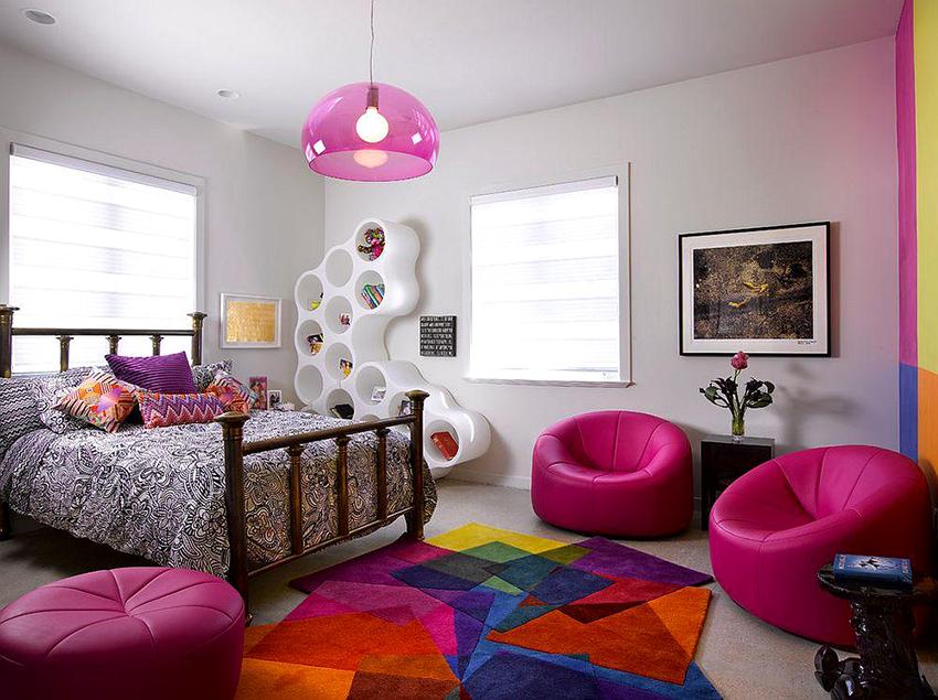 Кровать для девочек 7-9 лет может быть классического дизайна, спокойной расцветки