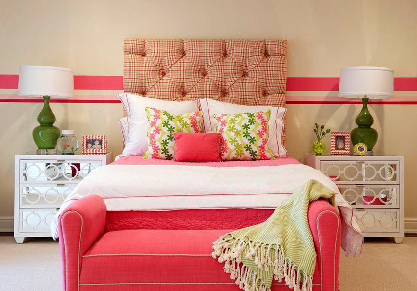 Кровать для девочки дошкольного возраста должна быть без металлических деталей и острых углов
