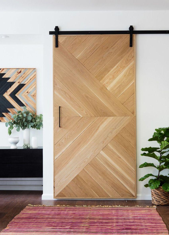 Основой щитовой дверной конструкции является рамочный каркас из наборных или цельных деревянных брусьев