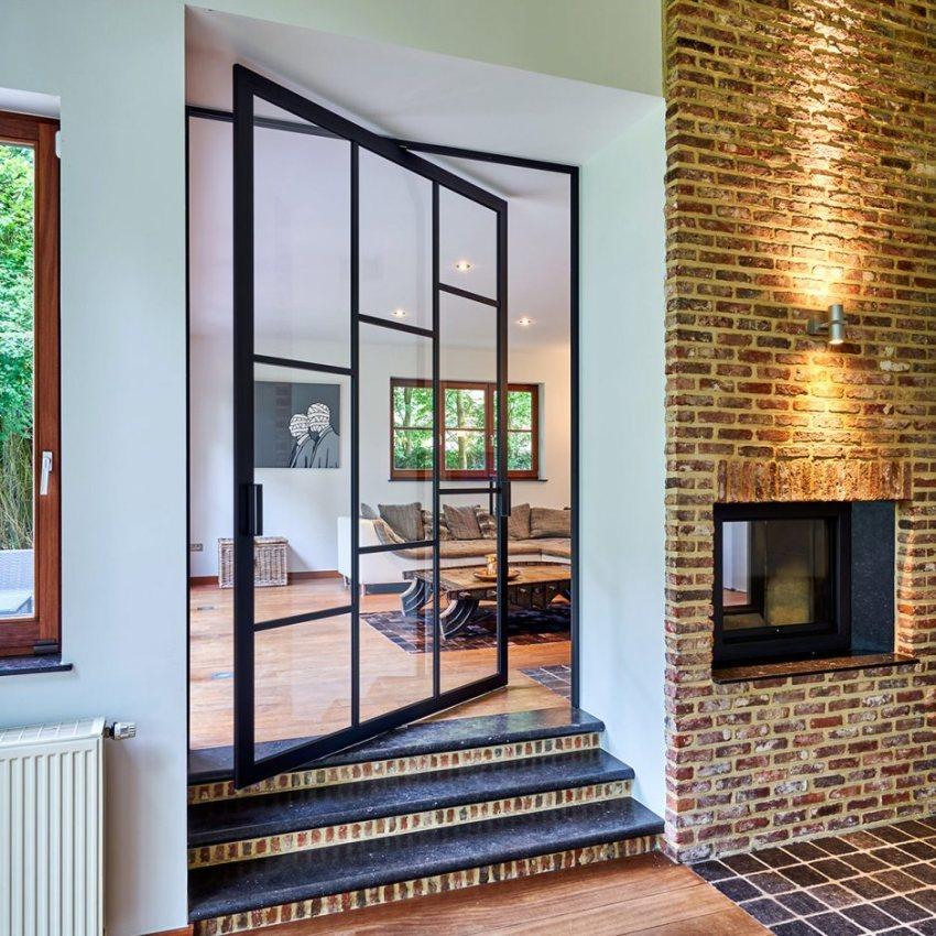 Межкомнатные стеклянные двери выполняются чаще всего из триплекса или дуплекса