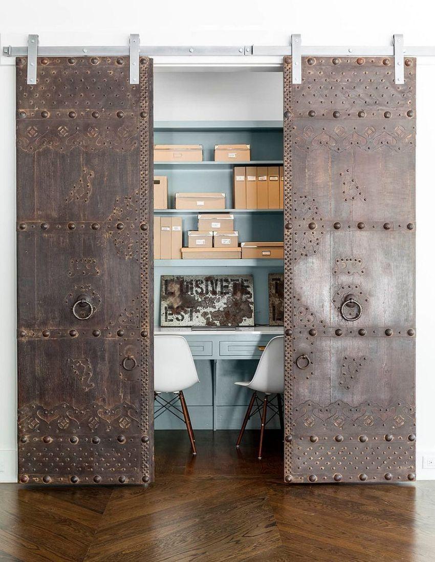 Для широких проемов используется двустворчатая дверь, полотна которой расходятся в разные стороны при открывании