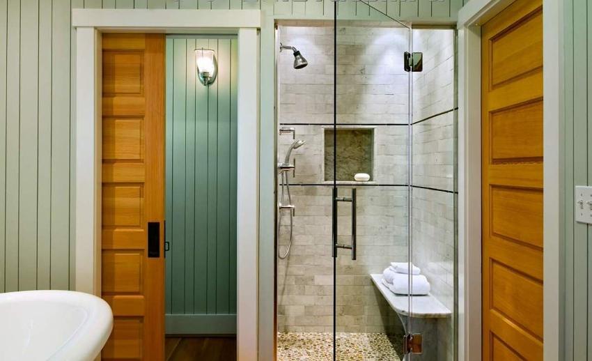 Ценные породы древесины отличаются красивой текстурой и разнообразной расцветкой, благодаря чему конструкцию можно вписать в любой интерьер